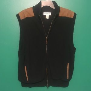Orvis Full Zip Vest faux leather patches Large